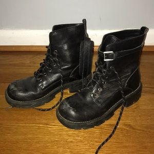 vintage nine west chunky combat boots